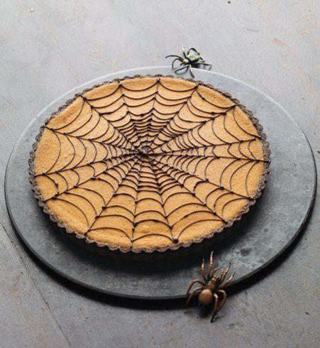 Gâteau d'Halloween : un gâteau toile d'araignée