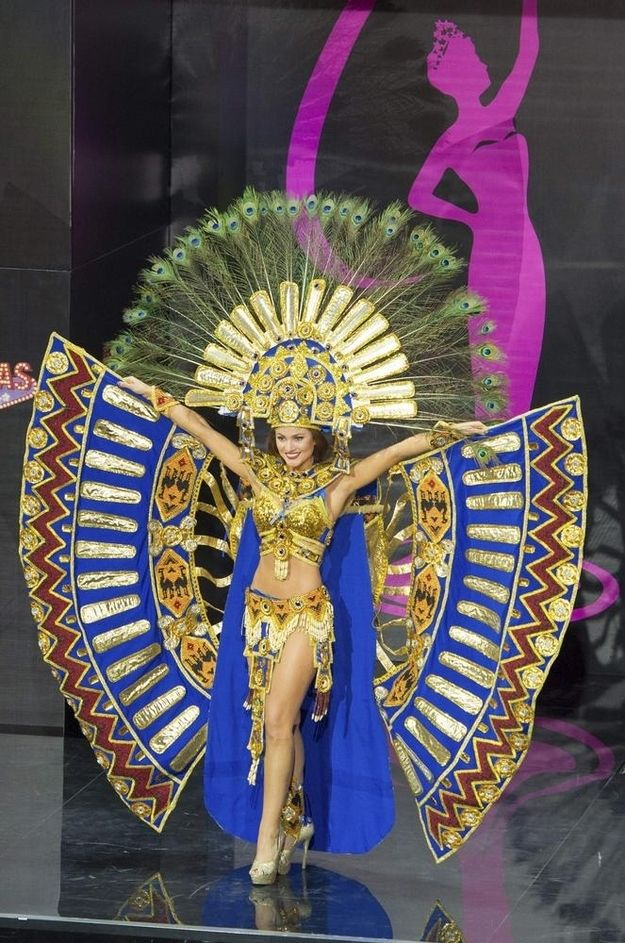 Miss Ecuador: | Miss USA Wore A Transformers Costume In The Miss Universe Pageant And It Wasn't Even The Most Ridiculous Outfit
