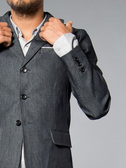 100% organic cotton. Regular fit. Blazer Jacket.