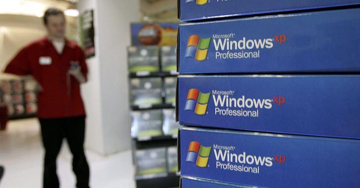 Cómo restaurar la configuración del escritorio de Windows XP. Windows XP permite una gran flexibilidad en la personalización de la apariencia de tu escritorio, incluyendo el cambio de los iconos que representan a los componentes comunes del escritorio. Después de modificar tus iconos de escritorio, es posible que te des cuenta que prefieres los valores predeterminados y que desees volver a recuperarlos. ...
