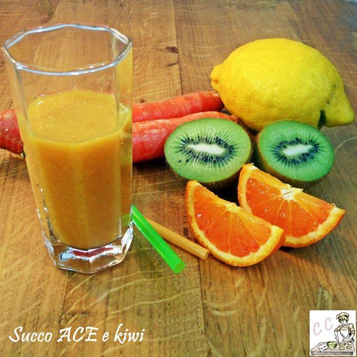 Succo ACE con kiwi una ricetta benessere semplice e veloce sana nutriente ricca di vitamine e utile per combattere e prevenire il raffreddore
