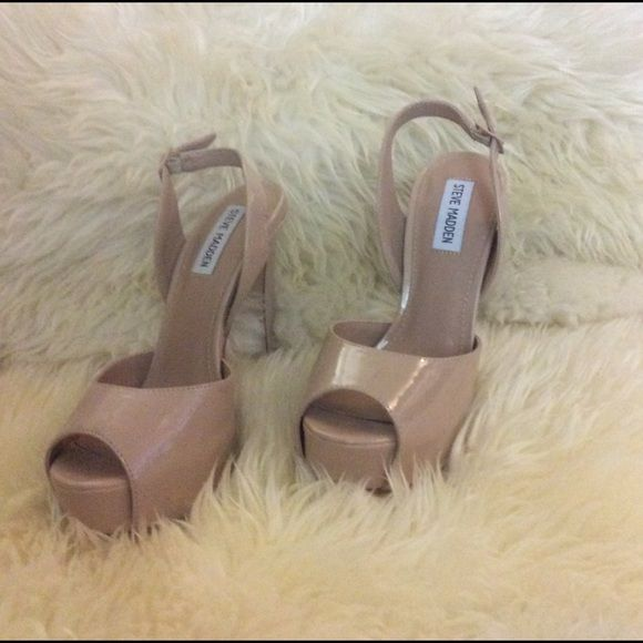 Will accept $55 offers today only HP girly girl party. NWOT Steve Madden open toe sling back platforms. Nude. Brand new never worn. No box. Platform is 1 1/4 inch. Heel is 6 inch including platform. Steve Madden Shoes Platforms