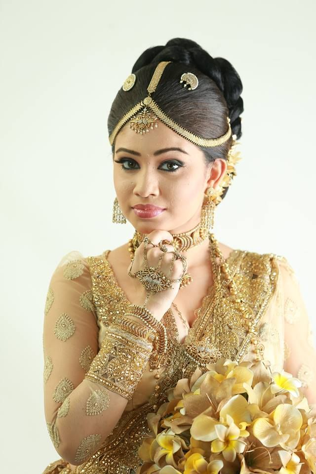 How To Do Kandyan Bridal Makeup : 1000+ images about bridal saree gowns on Pinterest