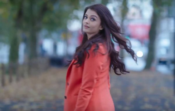 Anushka's desi and quirky style or Aishwarya's chic and classy attire: Whose look do you like in ADHM? | PINKVILLA