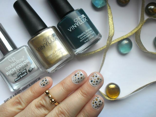 Christmas Manicure or Not? by Eleftheria Siatira