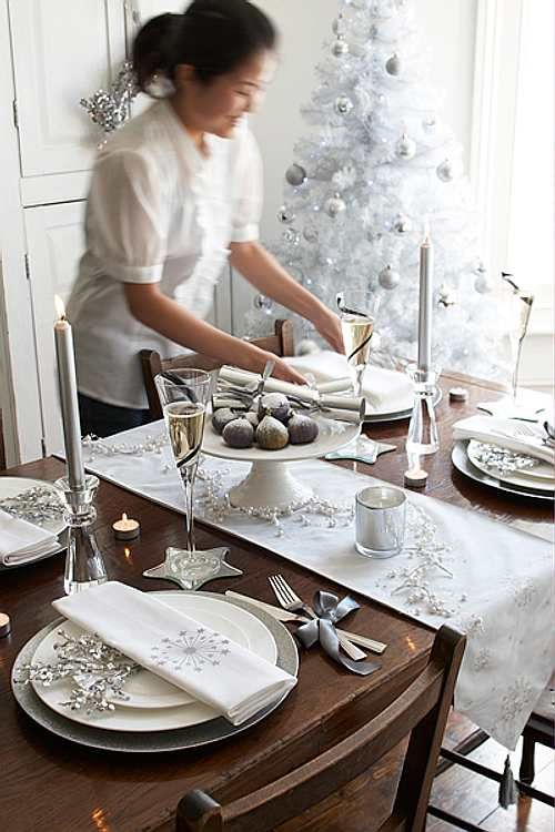 white and silver christmas table decor