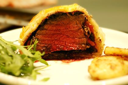 Gordon Ramsay's Beef Wellington recipe! I MUST attempt this!!! Maybe with some risotto!?!?!? ;)