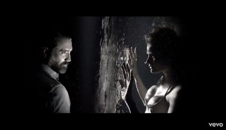 #HablandoContigoEs #AlejandroFernández estrena video #QuieroQueVuelvas http://hablandocontigoes.blogspot.mx/2016/12/alejandro-fernandez-estrena-video.html …