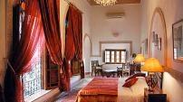 Riad Norma est une oasis de verdure à deux pas des plus beaux anciens palais de la médina de Fès.  Situé dans le quartier Ziat à Fès, à proximité du Place Batha, dans l'enceinte des remparts de Fès, à proximité de la Place Boujloud et de ses souks colorés.    Vous serez accueilli par une équipe chaleureuse et attentionnée.   Vous serez traité en ami de la maison, déjeunerez dans le jardin ou sur la terrasse, vous vous détendrez dans la piscine ou au hammam.