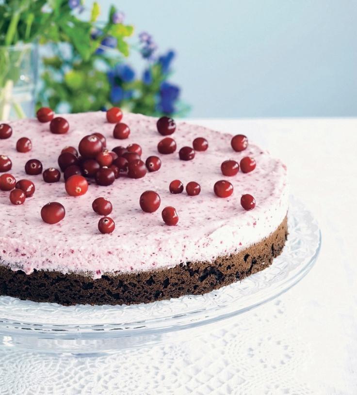 Suklainen karpalomoussekakku | K-ruoka #roosanauha #herkku