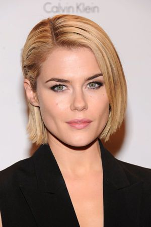 Professional, sophisticated brows/makeup (Rachael Taylor)