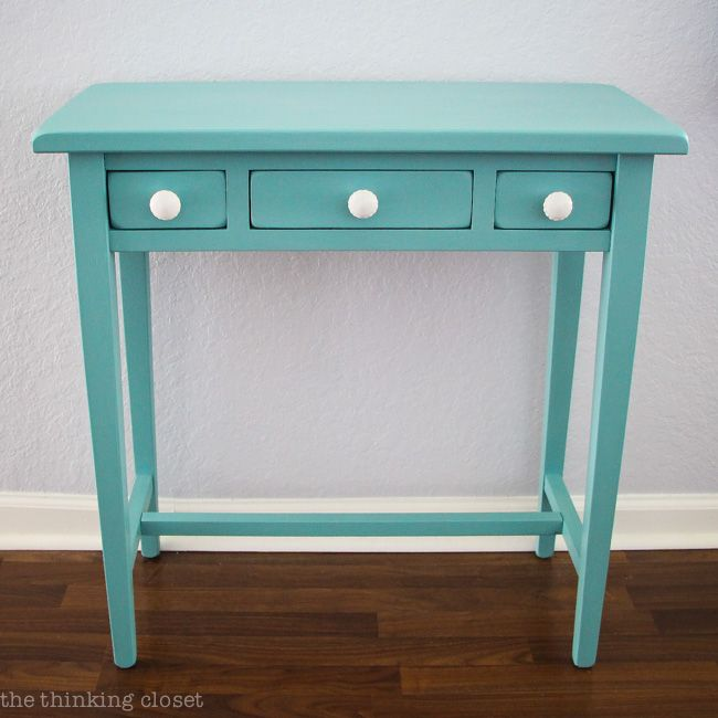 Table Makeover using Annie Sloan Chalk Paint in Provence   Tutorial with step by step breakdown for beginners! There is NO need to be intimidated by this medium any longer. Trust me! You are going to fall in love.