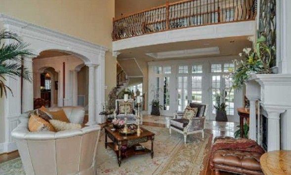 Blake Shelton and Miranda Lambert's House | Miranda Lambert And Blake Shelton Buy Stunning New Nashville Home