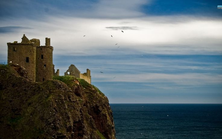 http://megahdwallpapers.net/wallpapers/l/1920x1200/80/dunnottar_castle_scotland_1920x1200_79568.jpg