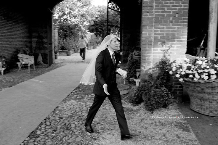 https://flic.kr/p/uF9GWY | The groom | A groom during his wedding party when the day drew to a close. ------------------------------------------------- Uno sposo durante il proprio ricevimento di nozze mentre la giornata volgeva al termine.