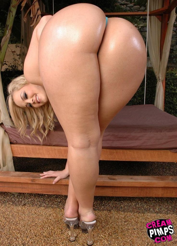 Curvy naked women big