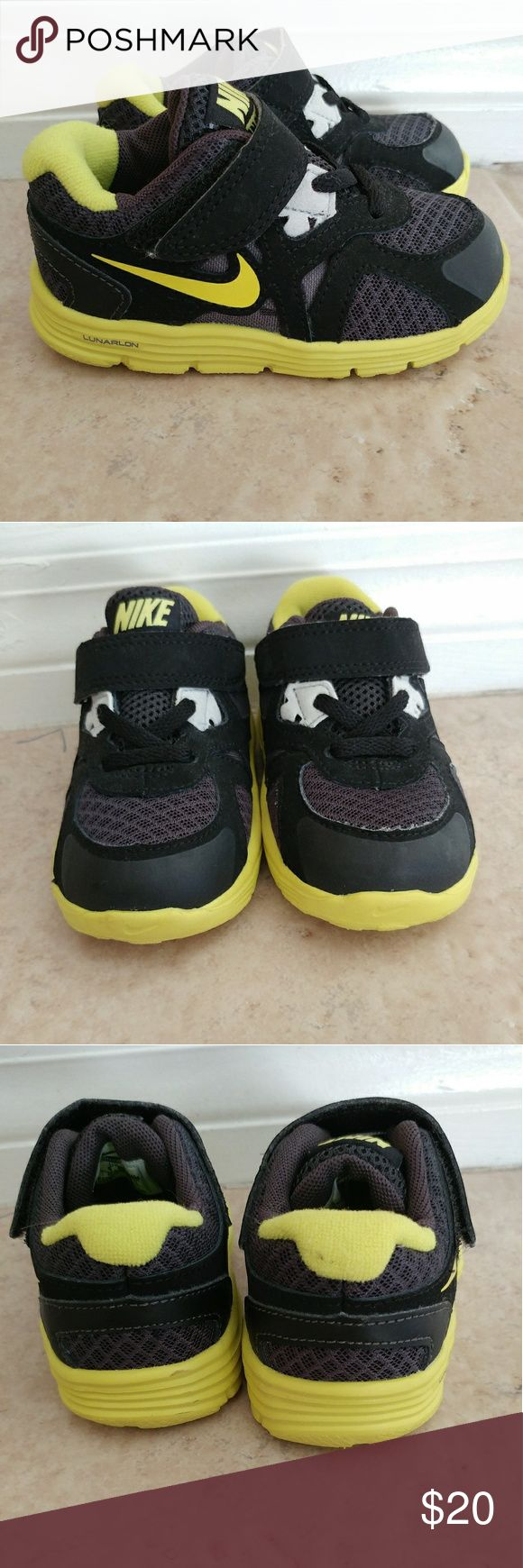 Toddler Nike Lunar Never worn toddler Nike Lunar Black and Yellow Nike Shoes Sneakers