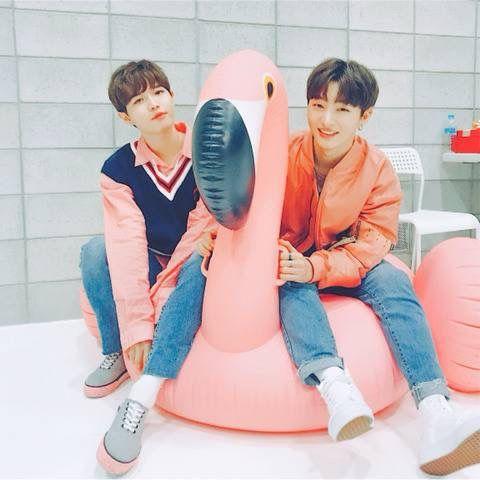 Wanna-One - Jaehwan and Jisung