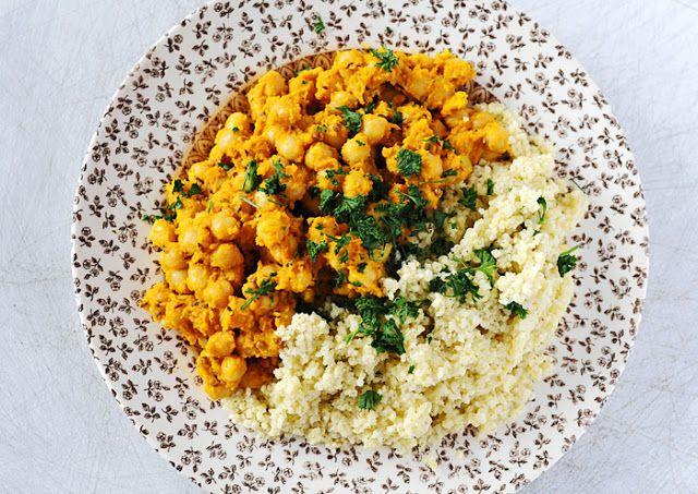 Weganie: bez glutenu - marchewkowe curry z ciecierzycą