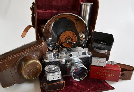 Canon Model III Rangefinder 35mm Camera Outfit in by MagsandI