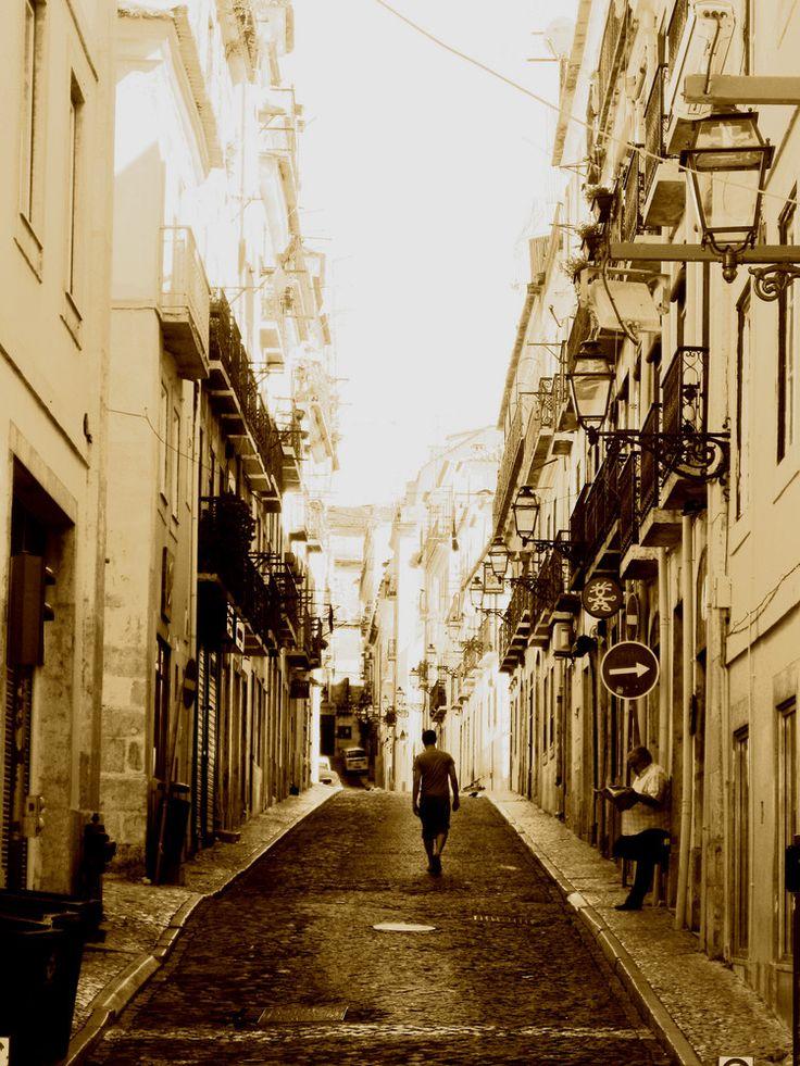 lens flare from sun in lisboa, portugalOrdner Landscapes, Sektion Europa, Uhr 18415030, Lisboa 5, 4 09 2009 Um, 15 42 Uhr, Lens Flare, Lisboa Portugal