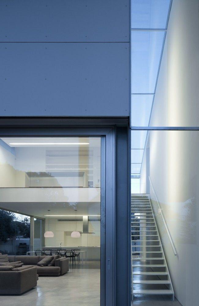 G House / Pitsou Kedem Architects + Irit Axelrod architects
