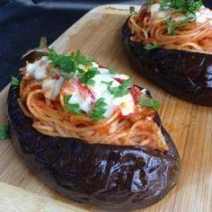 """452 Beğenme, 40 Yorum - Instagram'da Mutfağımdan Gelen Kokular (@mutfagimdangelenkokular): """"İftara makarna düşünürseniz bu şekilde deneyebilirsiniz. Patlıcanlar temizlenip bir kaç yerinde…"""""""