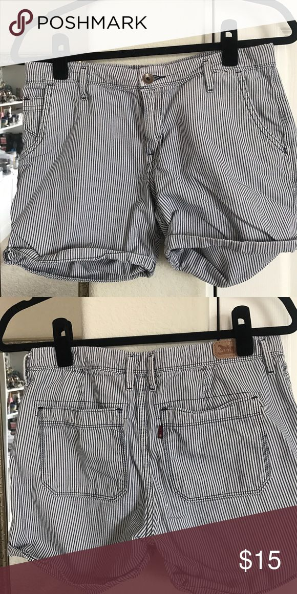 Levi's nautical shorts Blue and white stripes, nautical sailor boat prep style. Normal wear, in great condition. Size 6 Levi's Shorts Bermudas