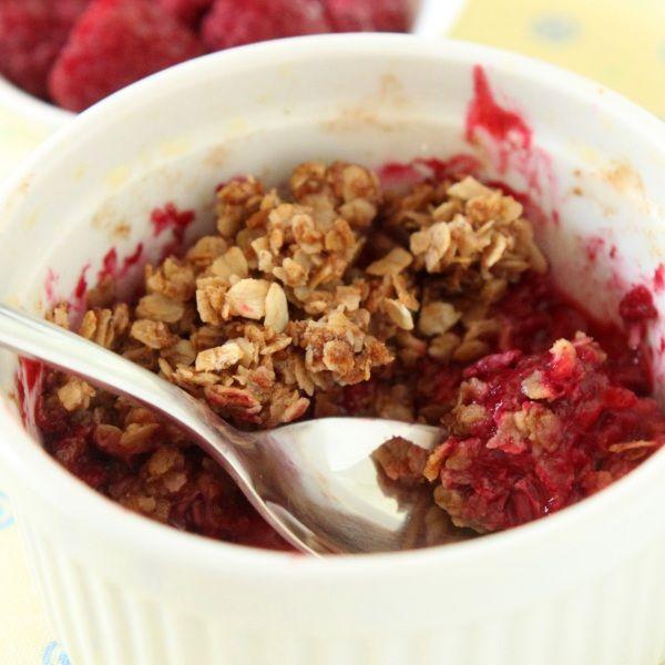 100% Whole Grain Raspberry Crumble: Recipe Boxes, Ramekin Recipe, Grains Raspberries, Texanerin Baking, Raspberries Crumbl, Whole Grains, 100, Raspberries Delicious, Carolynn Recipe