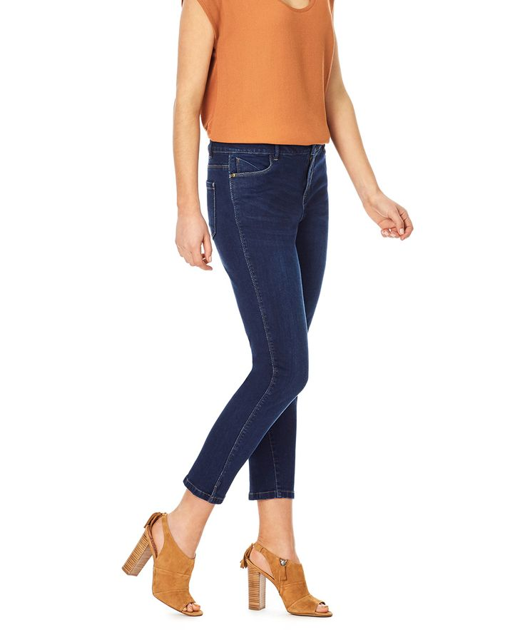 Fitted from hip to ankle, these streamlined jeans are made in a…