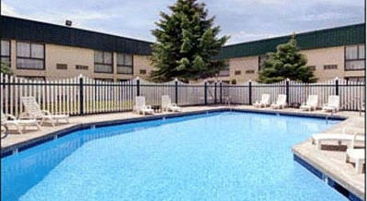 Ramada Inn Pocatello Pocatello Located in Pocatello, Idaho, this full-service hotel features an outdoor heated pool and hot tub. It is 5 miles from Idaho State University and the rooms include cable TV with HBO.