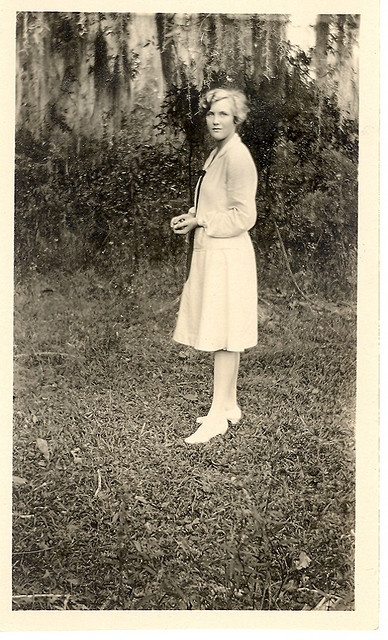 Vintage 1920s photo, Girl in White Dress. I found this ...