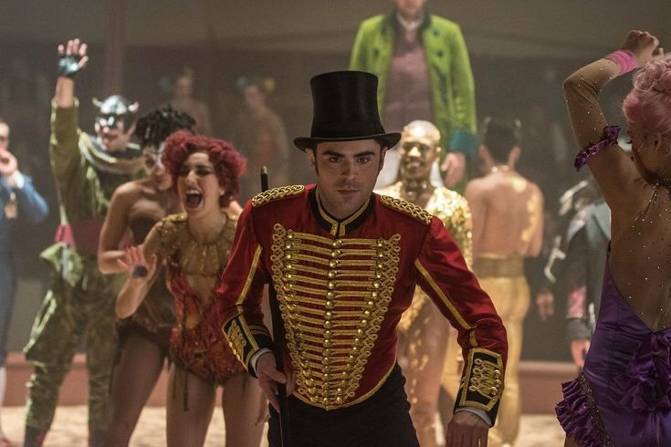 Zac Efron and Zendaya in The Greatest Showman (2017) http://www.movpins.com/dHQxNDg1Nzk2/the-greatest-showman-2017/still-264000768