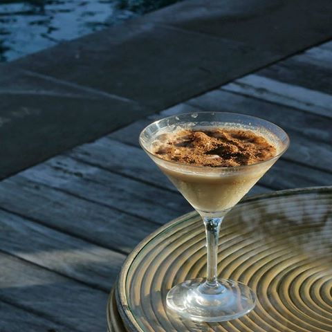 For some there's Friday. And for some, there's Martini. For the rest of us, there's both. Friyay time is a Toblerone Martini by the pool. . Baileys, frangelico, kahlua, toblerone chocolate, infinity pool. . . . . . ‪#‎bismaeight‬ ‪#‎luxury‬ ‪#‎boutiquehotel‬ ‪#‎ubud‬ ‪#‎bali‬ ‪#‎toblerone‬ ‪#‎martini‬ ‪#‎infinitypool‬