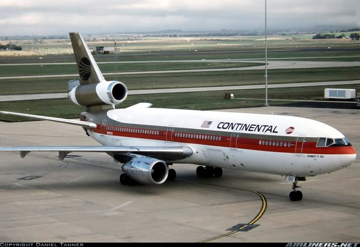 Continental Airlines N68060 McDonnell Douglas DC-10-30 aircraft picture
