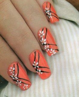 Cómo pintar unas flores en las uñas-Decoración y diseño paso a paso -DIY