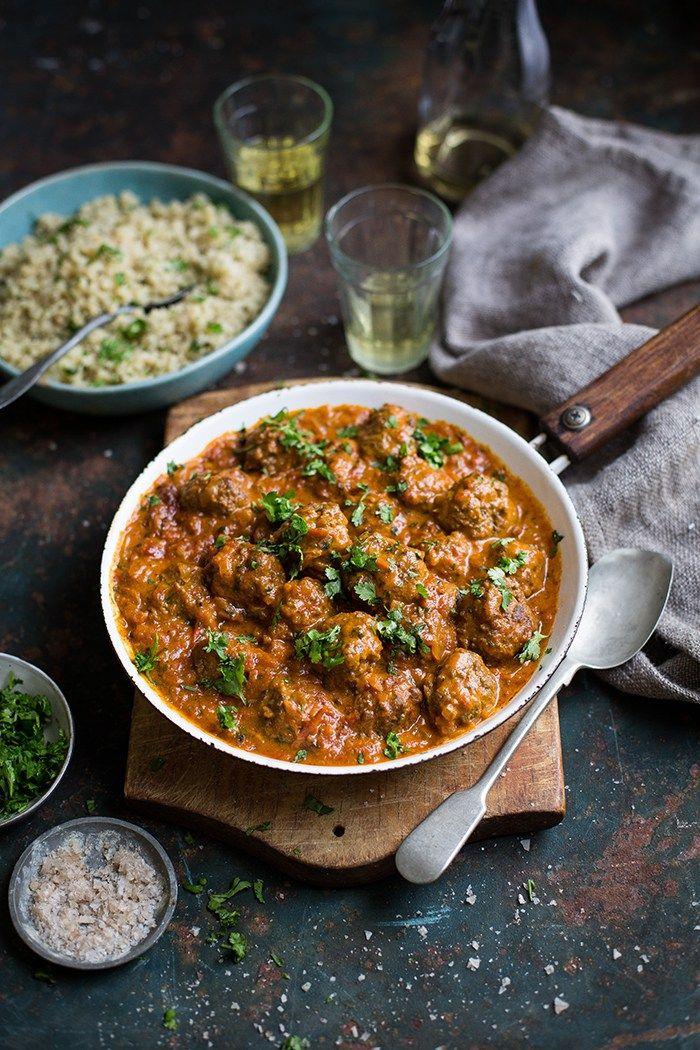 Meatball Curry with cucumber raita and cauliflowe rice - Drizzle and Dip  This Goan meatball curry is a comforting mild curry dish with tomato, coconut and Garam masala.