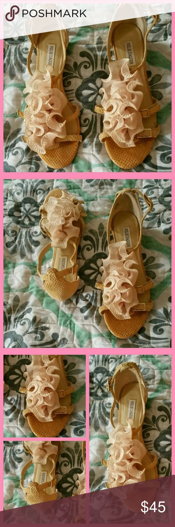 💕 Kelsi Dagger Monroe Sandles Beautiful sandals! They deserve to be worn in style. Don't miss out! Only worn once. Kelsi Dagger Shoes Sandals
