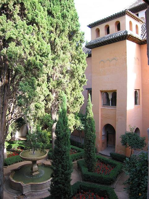 124 best images about islamic gardens on pinterest - Patios de granada ...