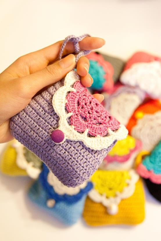 luulla:  These are really cute purse for your little treasures ♥