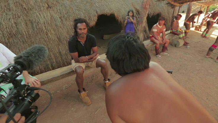 Comment Christian Karembeu s'est fait filmer par les indiens d'Amazonie - France