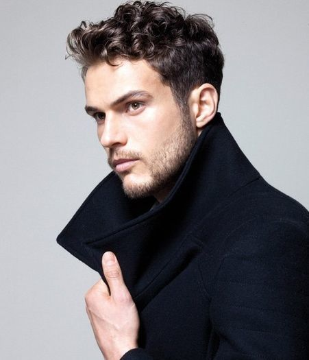 Men's Curly Wavy Hairstyles - 12