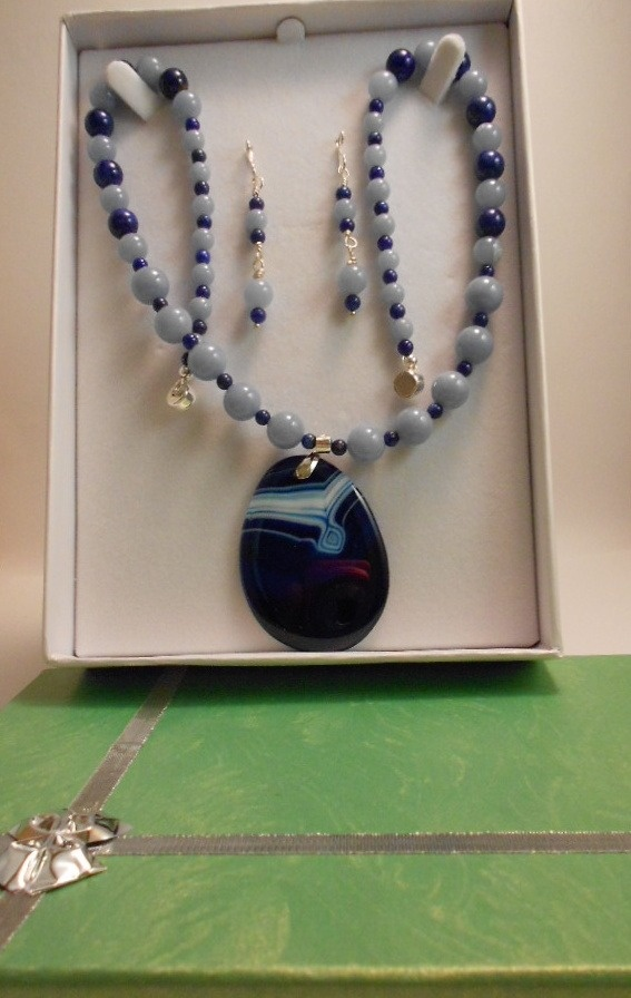Set  angelite and lapis lazuli with  agate pendant