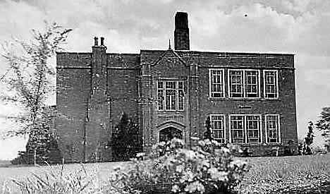 Rochester school officials are searching for a historic relic taken from one of the district's oldest buildings.  The 1927 dedication plaque for the building, which once served as the Brooklands School and later as the Rochester Alternative and Adult Center for Education, is missing, according to a district press release...