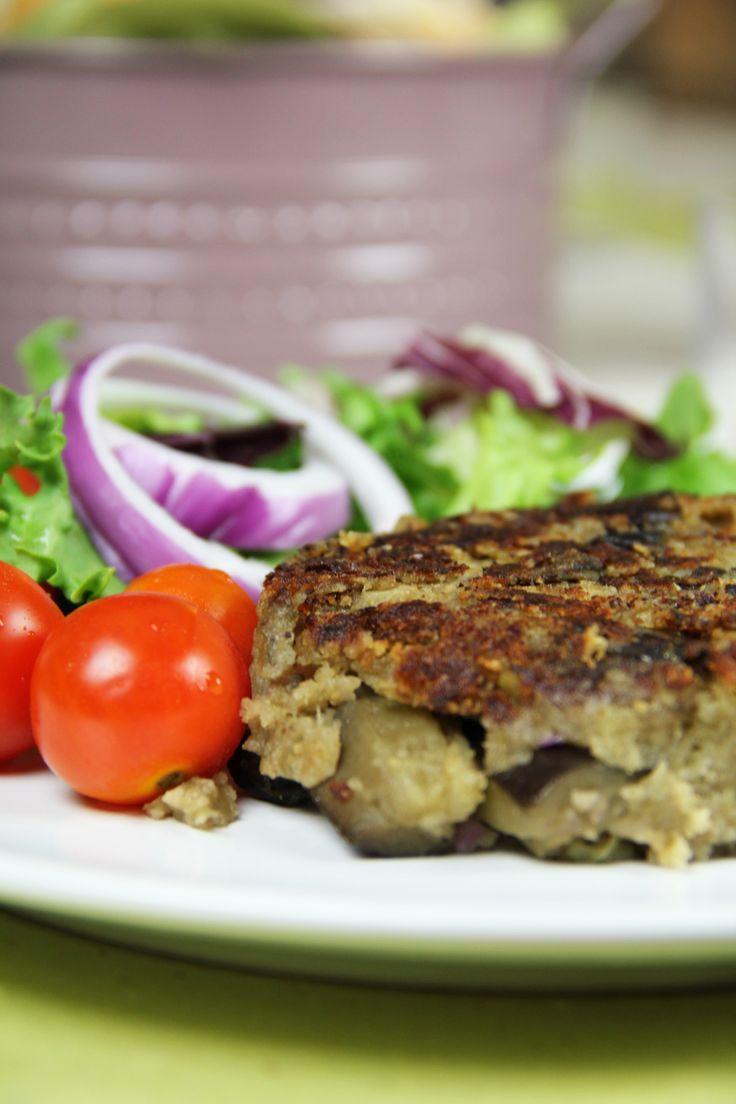 Burger vegetariano melanzane (eliminare la cipolla e per chi può sostituirla con scalogno o porro)