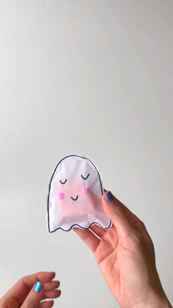 Te enseño a hacer esta bolsita para dulces usando tan solo papel de seda! #halloween #halloweenparty #halloweencandy Halloween Movie Night, Halloween Games, Diy Halloween Decorations, Halloween Treats, Halloween Diy, Paw Patrol Party, Paw Patrol Birthday, Ghost Costume Diy, Tan Solo