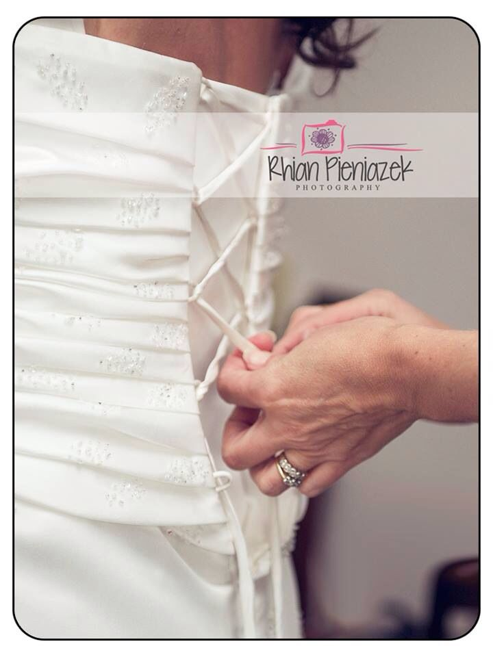 Weddings. Preparations. Rhian Pieniazek Photography.
