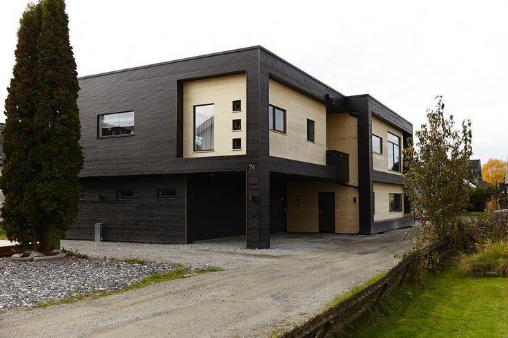 Visste du at vi har tegnet og bygget for dansedommer Trine Dehli Cleve?  Vi syns det er et prosjekt det svinger av ���� #urbanhus #arkitektur #kebony #kubisk #form #bolig #hus #funkis #moderne #nytt #hjem #bygge #arkitekt #ferdighus #nybygg #nybygge #boligpluss #boligstyling #bobedre #interiørmagasinet #interior #house #norwegian #architecture #nordichome http://www.butimag.com/urbanhus/post/1469540986573402398_1008764219/?code=BRk273HlbEe