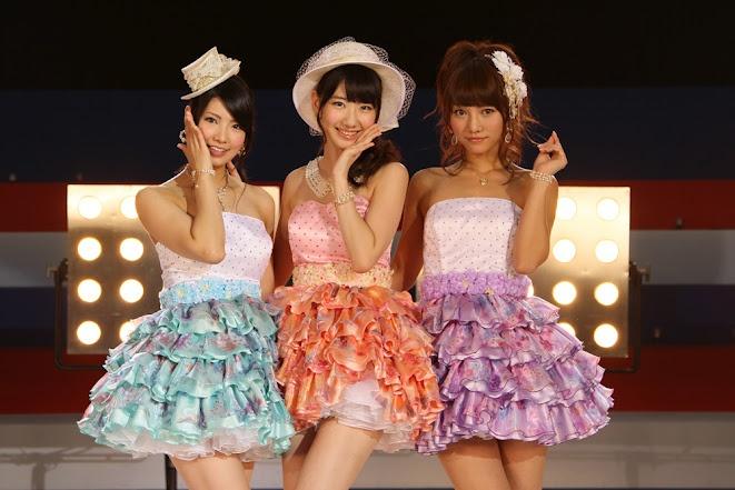 Mocchi, Yukirin and Akicha #AKB48 #FrenchKiss
