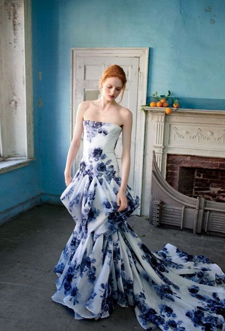 Douglas Hannant strapless flowerprint gown  | A white wedding dress isn't for you? Come see our favorite picks for colourful wedding dresses that will make you feel like a queen! www.scenarioideal.com #wedding #weddingdress #weddinggown #nonwhitewedding #montrealwedding #quebecwedding